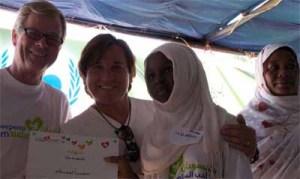 Nils Kastberg con Ricardo Montaner en Sudan.Foto xornalgalicia.com