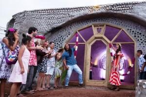 Todos felices al inaugurar su bella Escuela de Música Rapanui