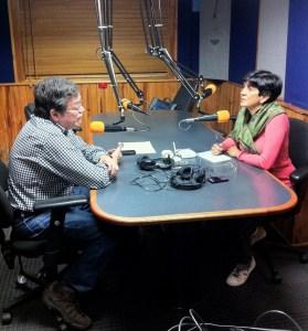 Erik Quiroga en el estudio con Marisela Valero. Foto Fernando Camacho