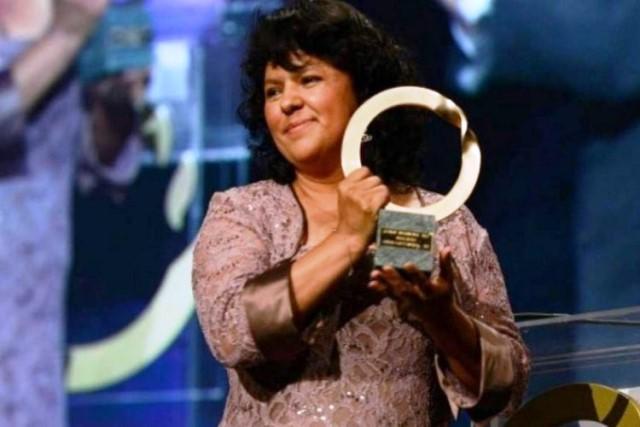 Cáceres recibió el Premio Medioambiental Goldman por su lucha en la defensa de los recursos naturales en el occidente de Honduras.