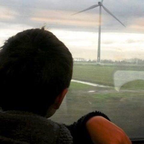 La fuerza de la energía eólica mueve los trenes