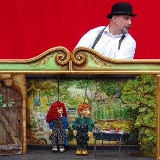 royales marionnettes aux turbulles