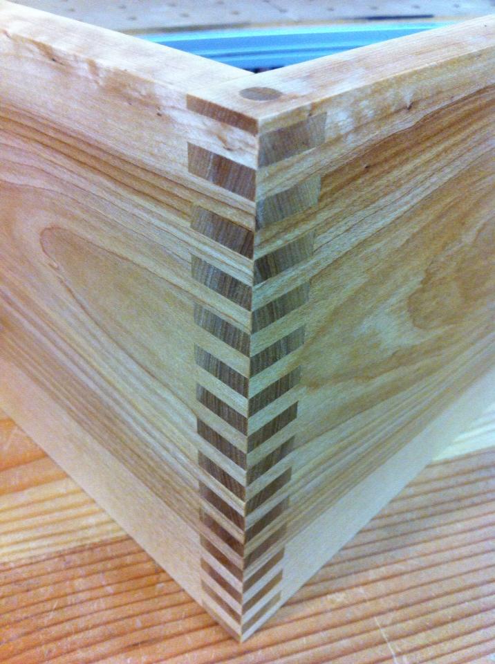08-leaning-shelf-ryan-turek