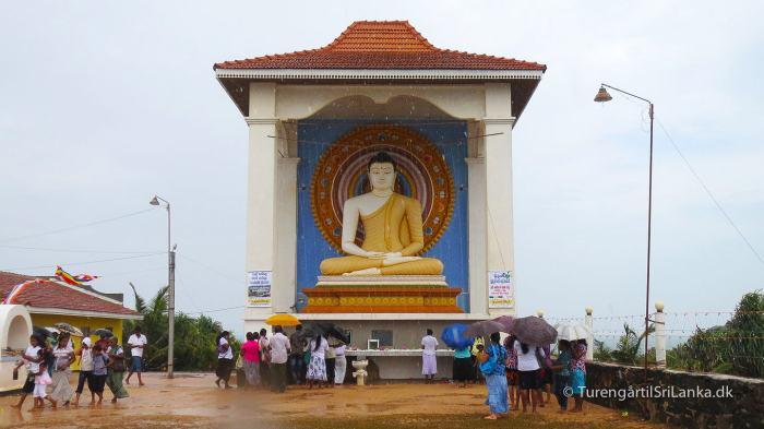 Den kæmpe store buddha, der vogter over Unawatuna
