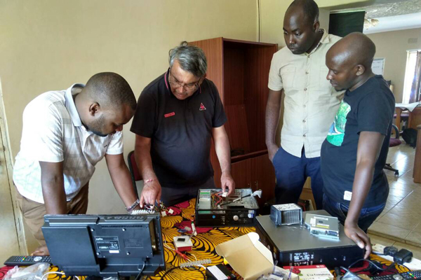 Training the CYD team in setting up a Raspberry Pi network