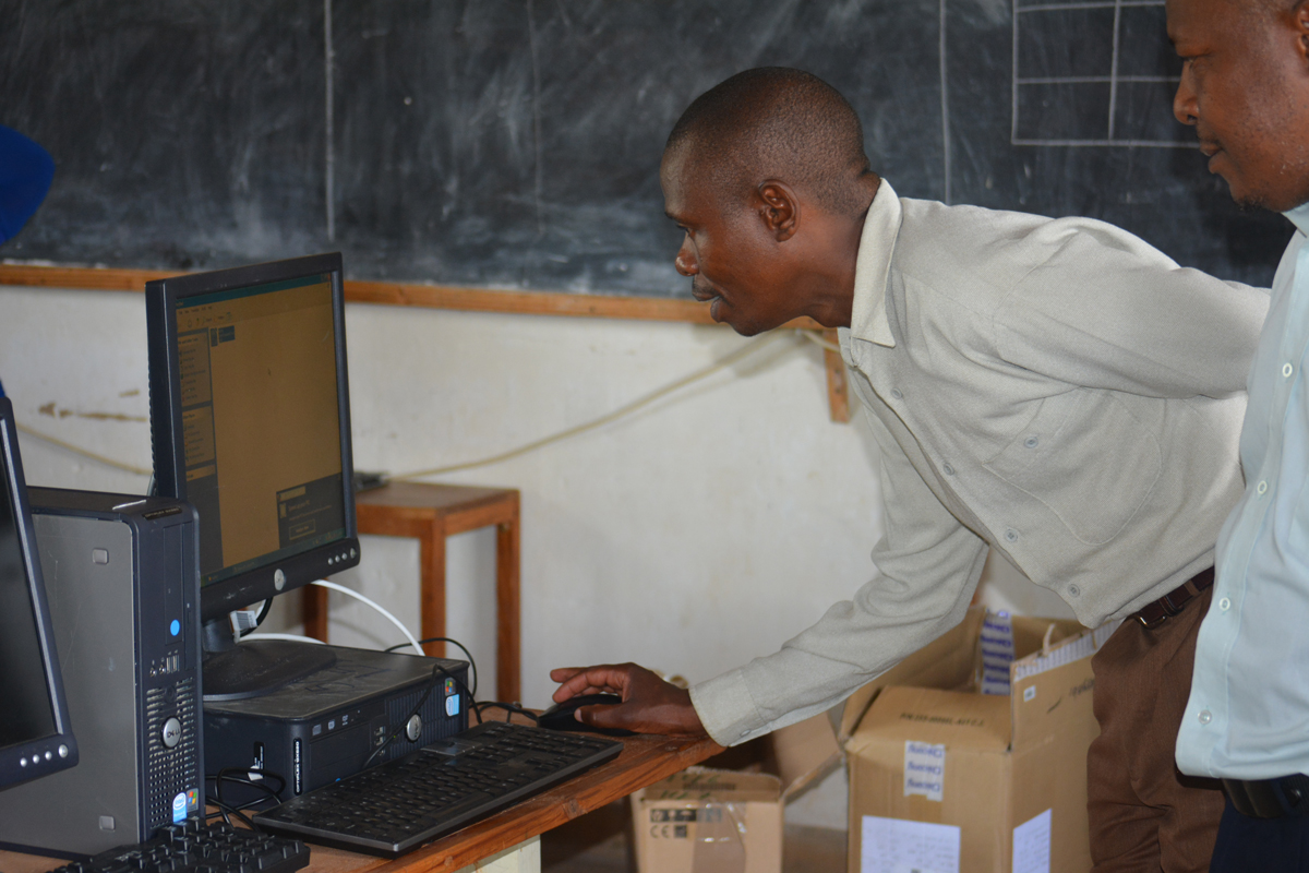 Schools in Malawi receive computers