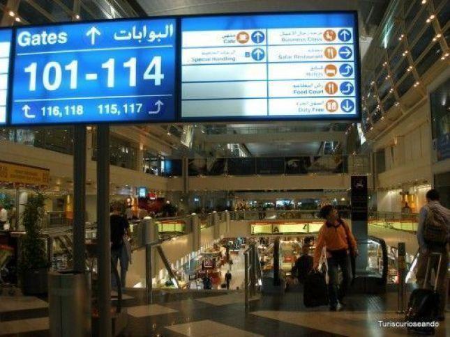 AEROPUERTO DE DUBAI. TERMINAL 3