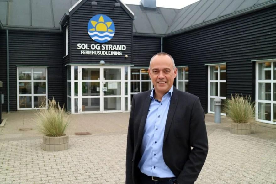 Per Dam, direktør Sol og Strand, glæder sig over mange danske bookinger, men påpeger, at det ikke er nok for at opveje hullet efter de udenlandske gæster. (PR-foto)