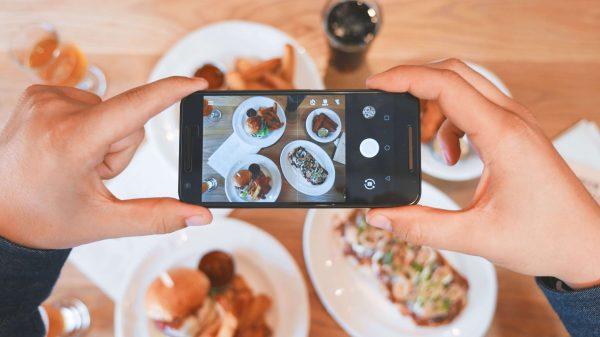 Gastroturisterne er blevet mere tilfredse med deres madoplevelser i Danmark. Det viser analyse fra VisitDenmark. (Foto: Eaters Collective/Unsplash)