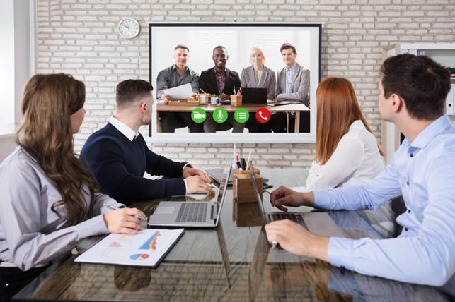 Hybridmøder - en kombination af det fysiske og virtuelle møde - vil der komme stigende efterspørgsel på. (PR-foto)