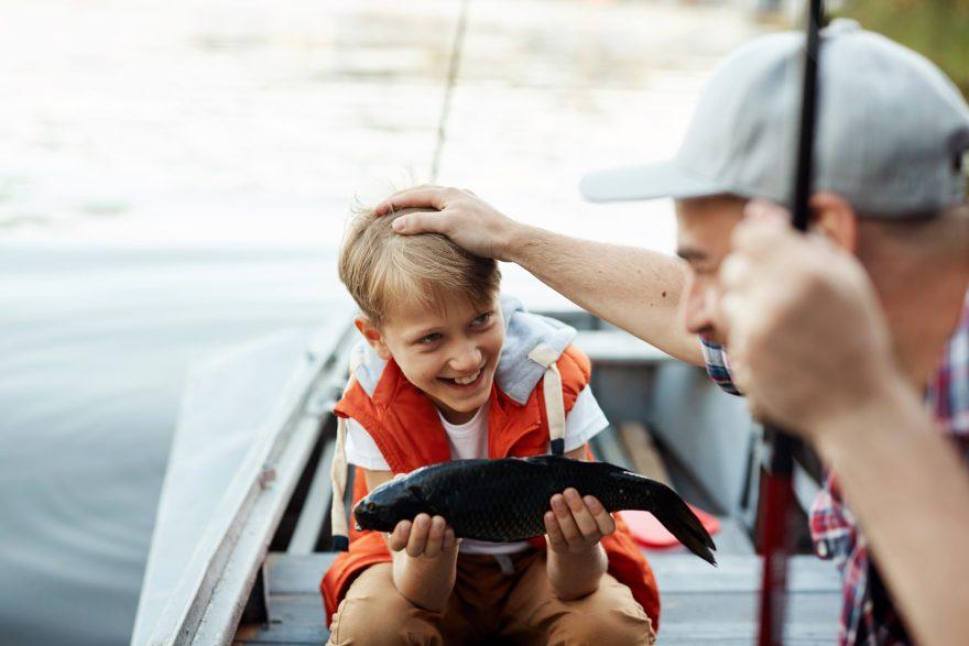 Lystfisker Danmark håber, at flere børnefamilier vil kaste sig over lystfiskeriet. (Arkivfoto)
