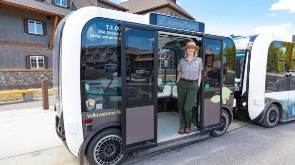 To selvkørende busser testes i Yellowstone Nationalpark. (Foto: Jacob W. Franck/ NPS)