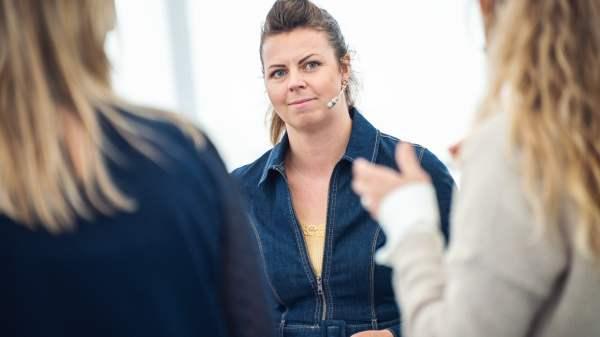 Laura Raidla på Klimafolkemødet. (Foto: Jonas Legarth)