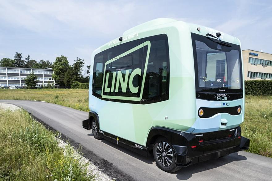 LINC-projektet tester i øjeblikket en selvkørende shuttle på DTU i Lyngby. (Foto: Rasmus Degnbol/LINC)