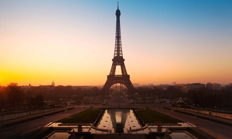principais atrações turísticas em paris torre eiffel