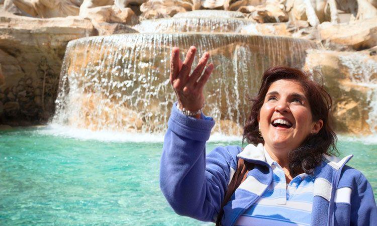 Tradição para quem visita a Fontana di Trevi