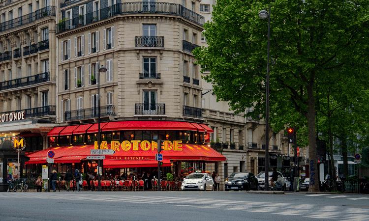 cafes, restaurantes e creperias em montparnasse