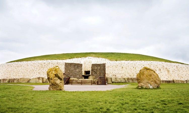 sitio arqueologico de newgrange, pontos turisticos da irlanda