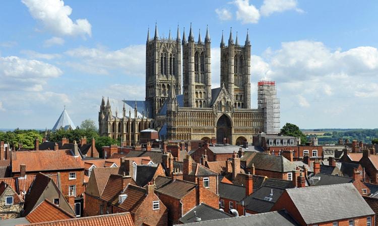 igrejas mais altas da europa catedral de lincoln