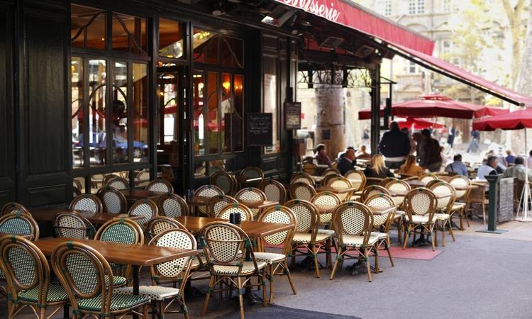 quanto custa uma viagem para a Europa de 30 dias com restaurantes
