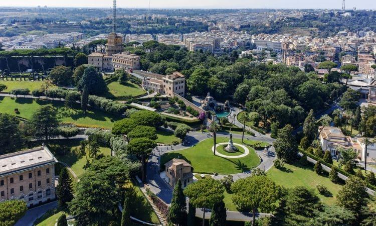 vista dos jardins do vaticano