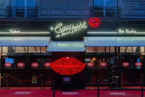 le crazy horse paris