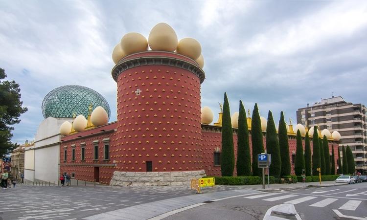 Museu Dalí fachada