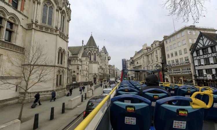 Ônibus panorâmico em Londres