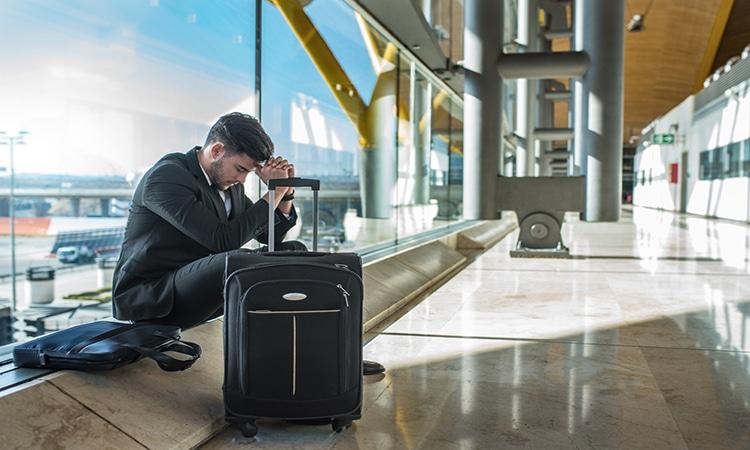 passageiro com voo cancelado
