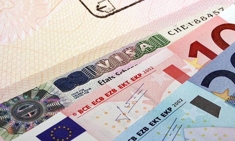 visto e euros para viagem