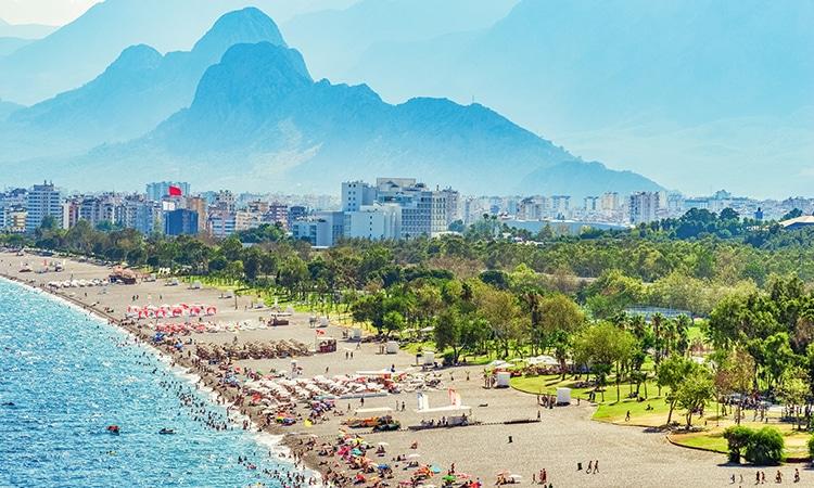 Antália na Turquia praia