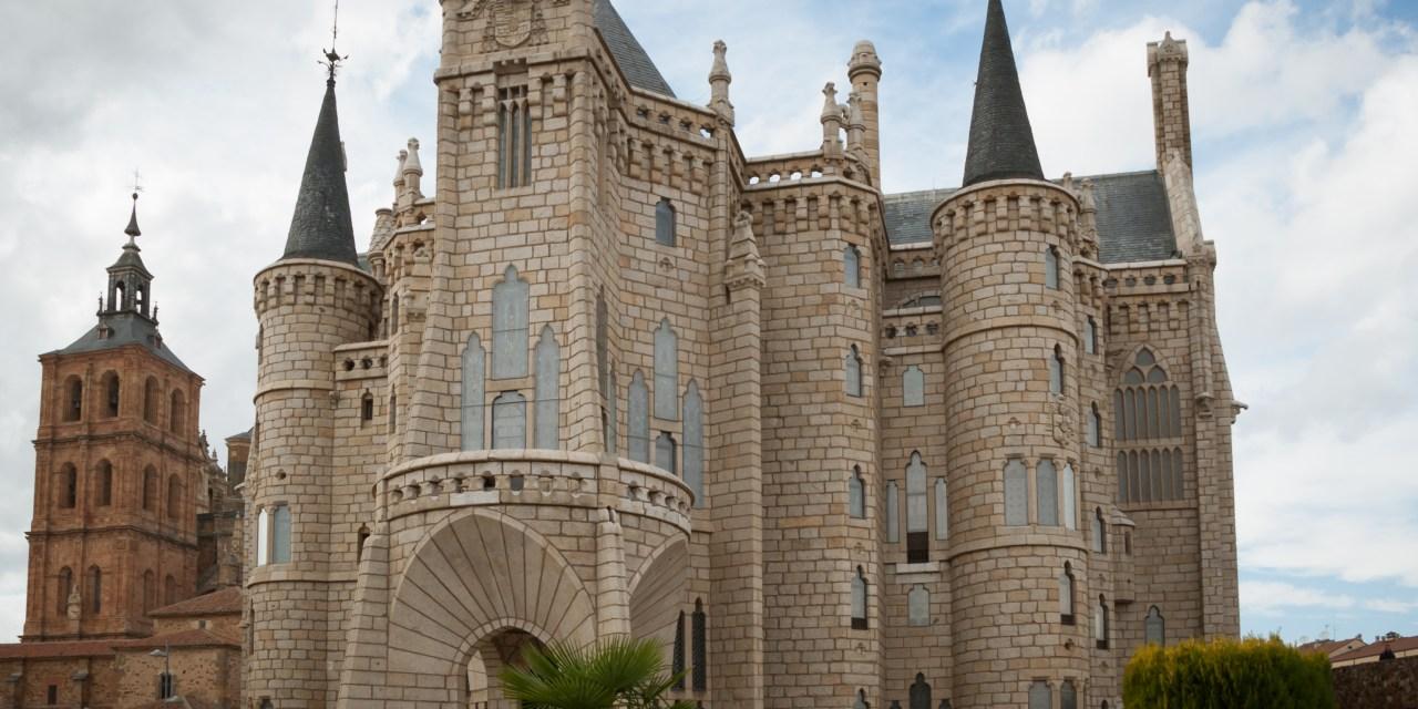 Gaudí Palace