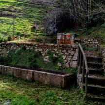 Manantial de la Fuente Rubia en Pandu, Ribadesella