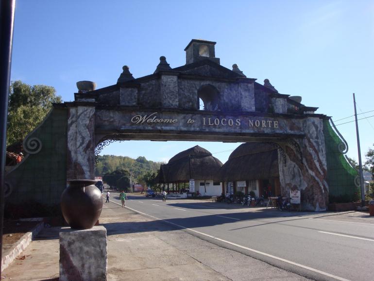 Ilocos Norte Welcome Arch (Photo by www.forumbiodiversity.com)