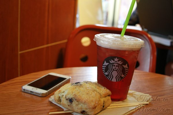 Iced Blackberry Mojito Tea Lemonade, Starbucks