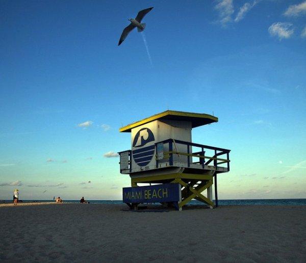 Art Decó en las playas de Miami Beach. Foto: VISIT FLORIDA-by Patrick Farrell
