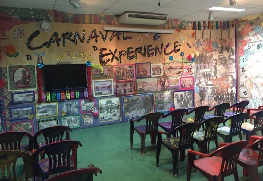 Carnaval Experience: sala de exposição e vídeo.