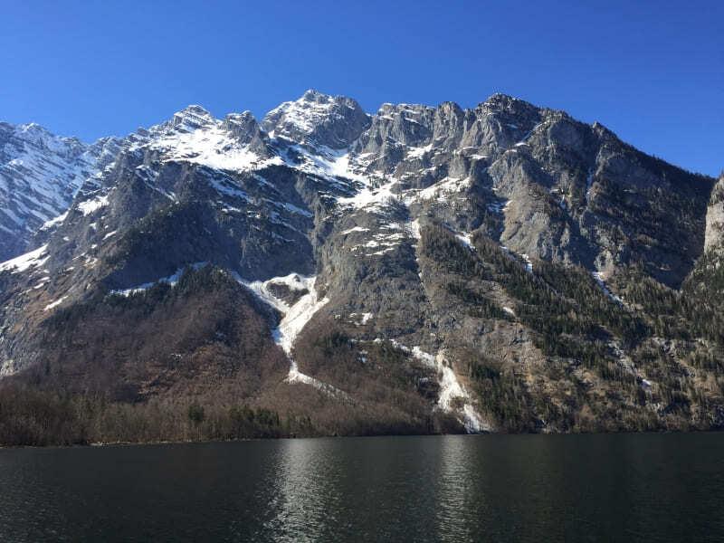 Konigssee e a vista para as montanhas.