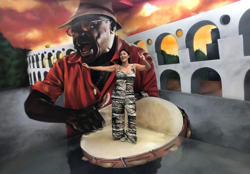 Museu de Ilusões: painel com os Arcos da Lapa.