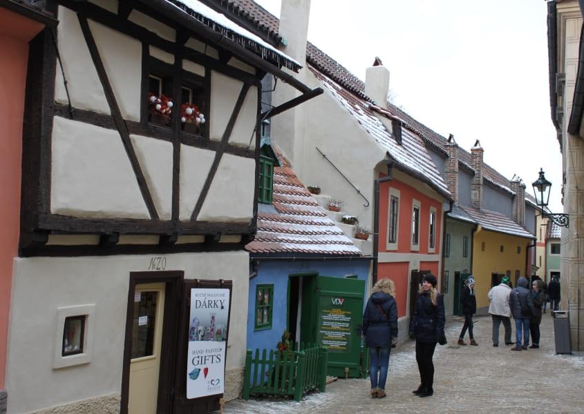 Golden Lane no Distrito do Castelo em Praga.
