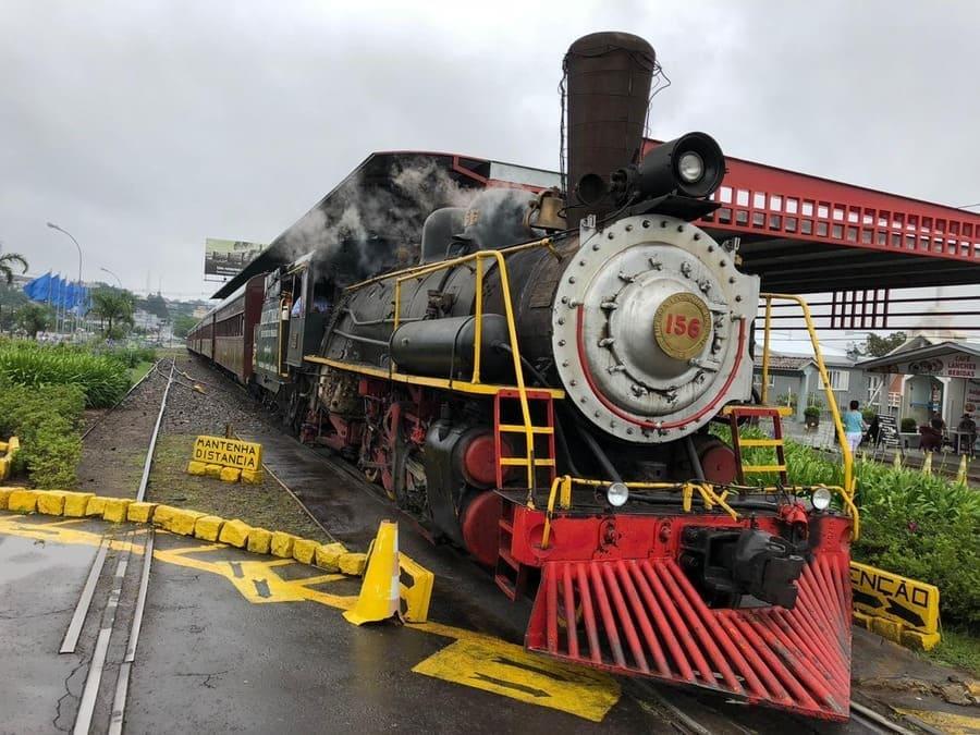 Passeio de Trem entre Bento Gonçalves e Carlos Barbosa - no Vale dos Vinhedos.