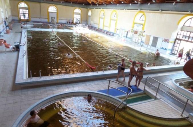 AquaPalota Gyula - indoor pool