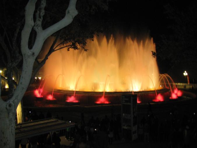 Barcelona - fountain show