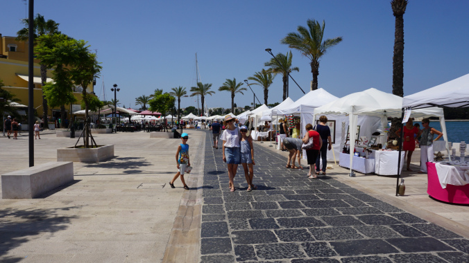 Brindisi - port shops