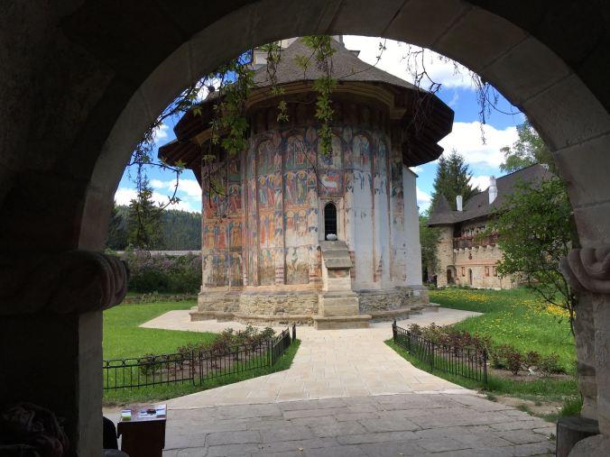 Bucovina - moldovita entrance