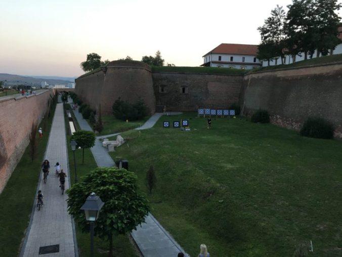 Cetatea Alba-Iulia - walls