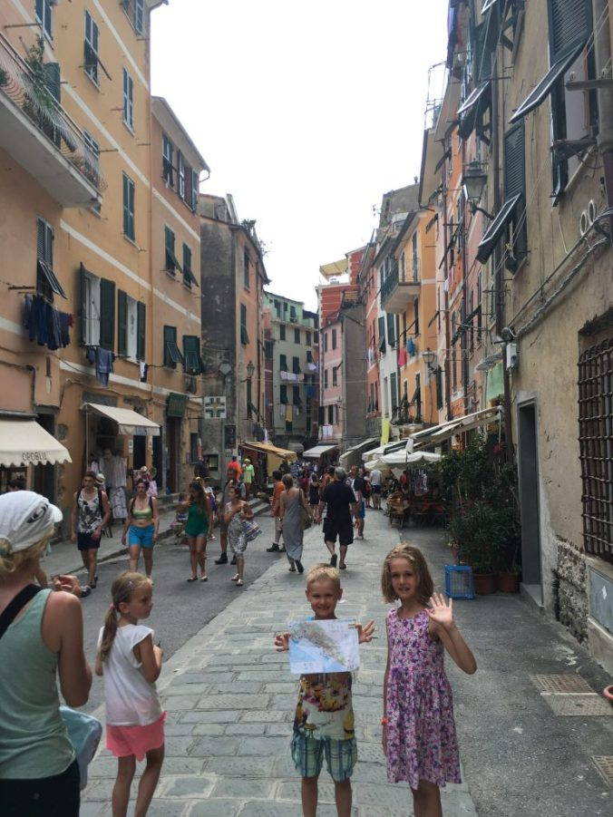Cinque Terre - vernazza streets
