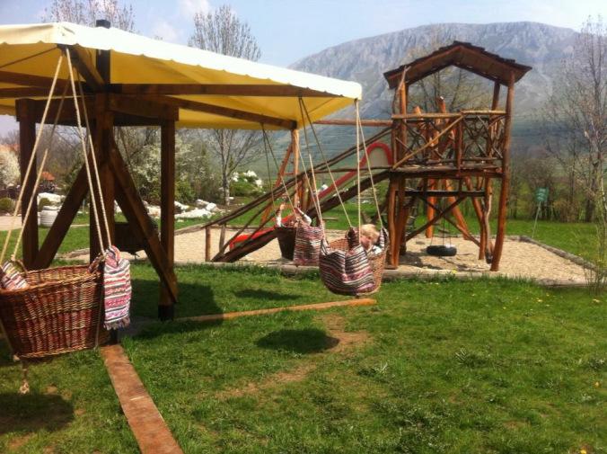 Coltesti - conacul secuiesc playground