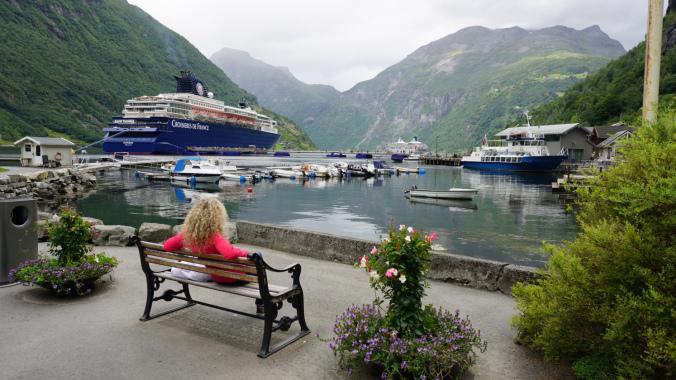 Geiranger - cruise ships
