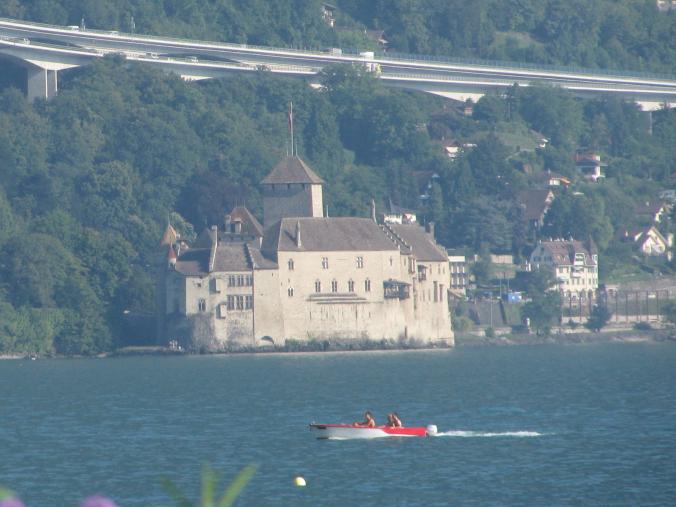 Montreux - chillon castle1